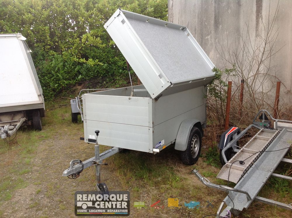 occasion remorque aluminium tanche avec capot ouverture lat rale 500 kg 17 96 17 96. Black Bedroom Furniture Sets. Home Design Ideas